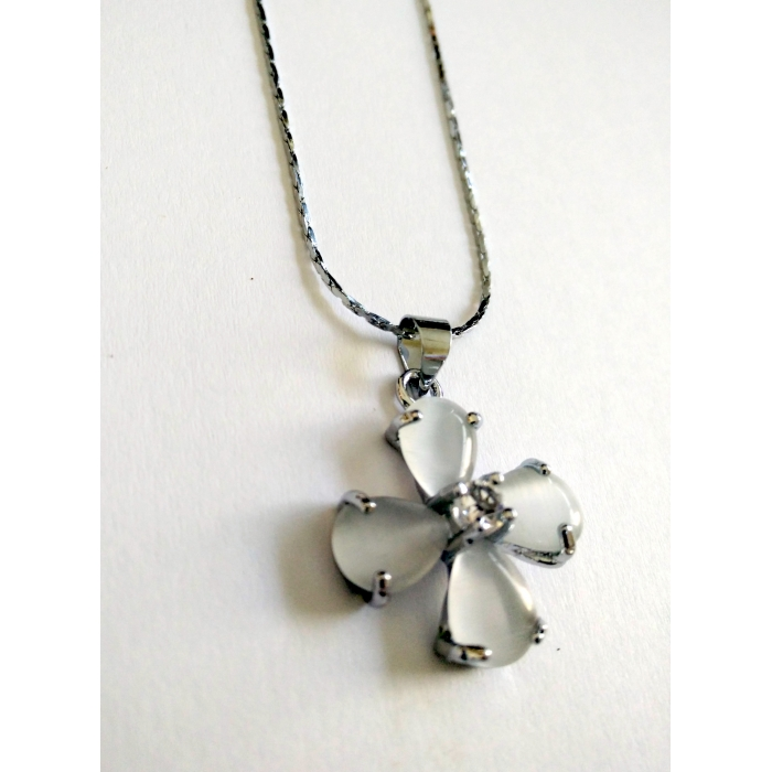 WOMENS CROSS PENDANT WITH CRYSTALS no.24
