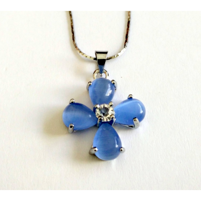 WOMENS CROSS PENDANT WITH CRYSTALS no.26